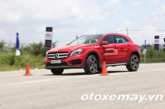 Mercedes-Benz khóa học lái xe 13