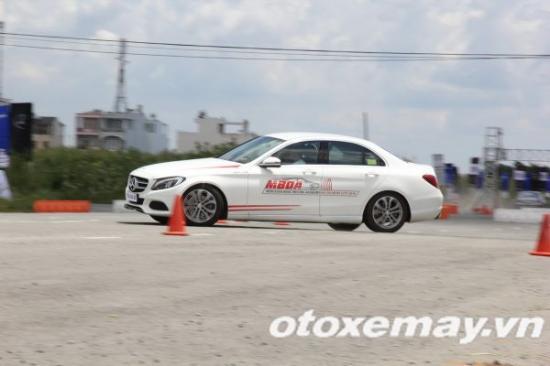 Mercedes-Benz khóa học lái xe 14