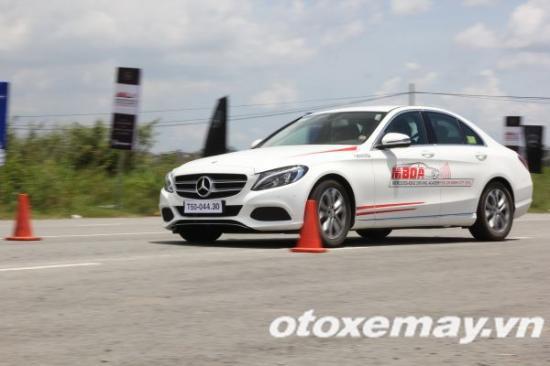 Mercedes-Benz khóa học lái xe 15