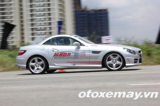 Mercedes-Benz khóa học lái xe 16