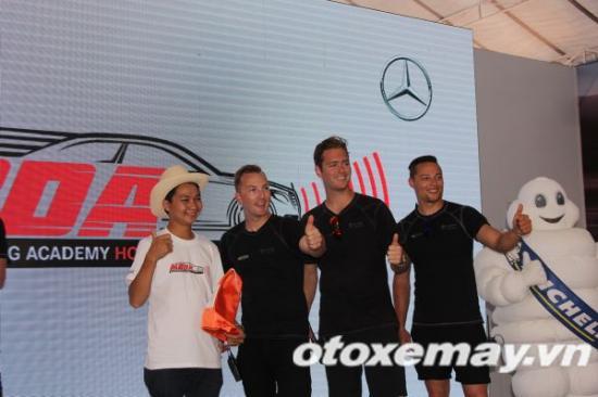 Mercedes-Benz khóa học lái xe 19