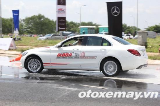 Mercedes-Benz khóa học lái xe 6