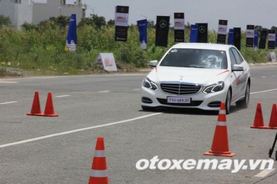 Mercedes-Benz khóa học lái xe 9