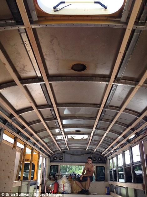 Nhà di động từ xe bus 3