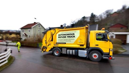 Xe rác tự lái Volvo 1