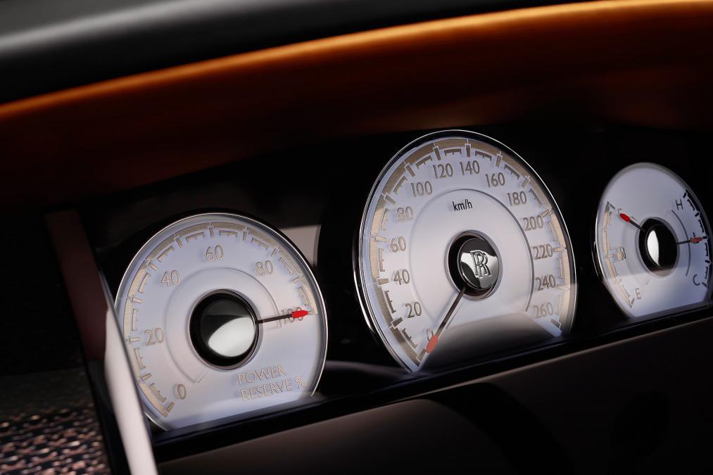 Xe Rolls-Royce Dawn Black Badge 5