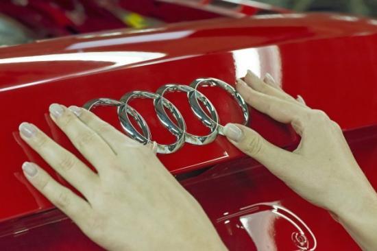 Audi đưa pin mặt trời lên nóc xe 2