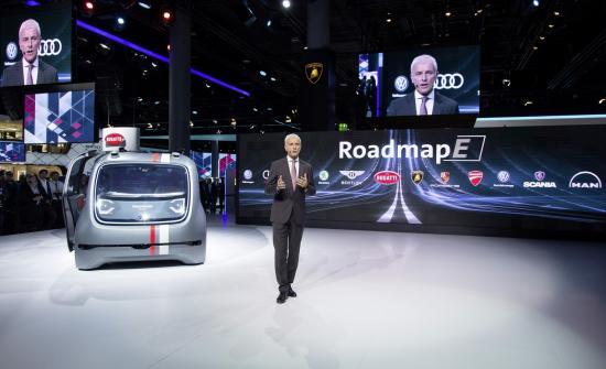 """Volkswagen """"ra quân"""" ào ạt với 80 xe chạy điện 1"""