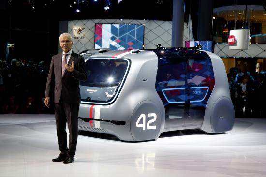 """Volkswagen """"ra quân"""" ào ạt với 80 xe chạy điện"""