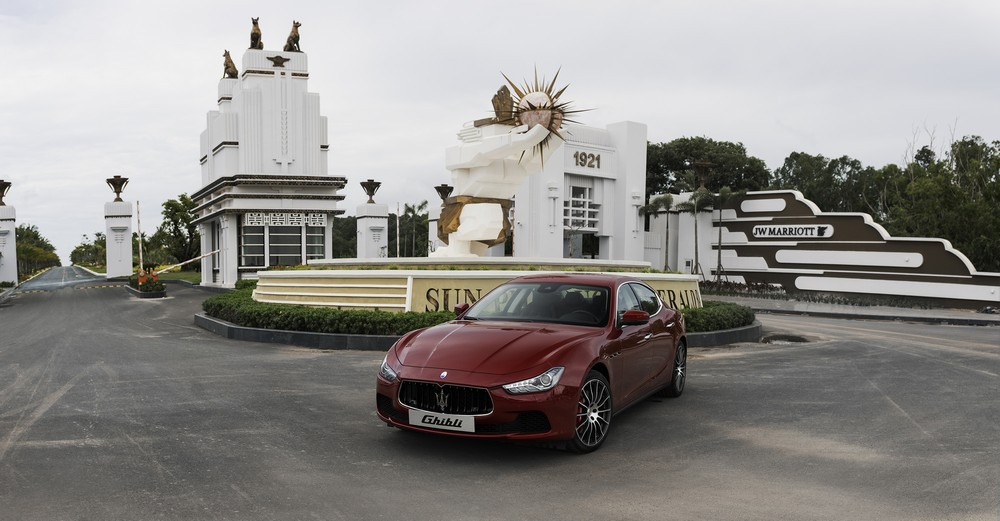 Khách nghỉ ở JW Marriott Phu Quoc Emerald Bay được Maserati đưa đón 3