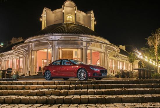 Khách nghỉ ở JW Marriott Phu Quoc Emerald Bay được Maserati đưa đón 2
