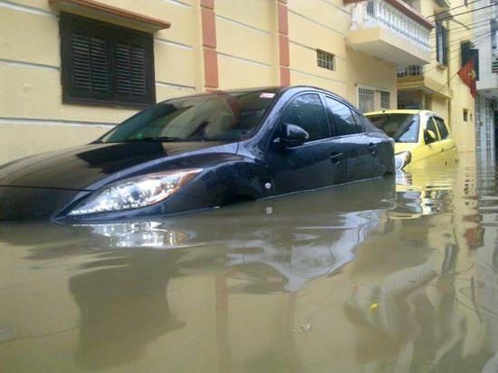 Làm sao để tránh mua xe bị ngập nước 1