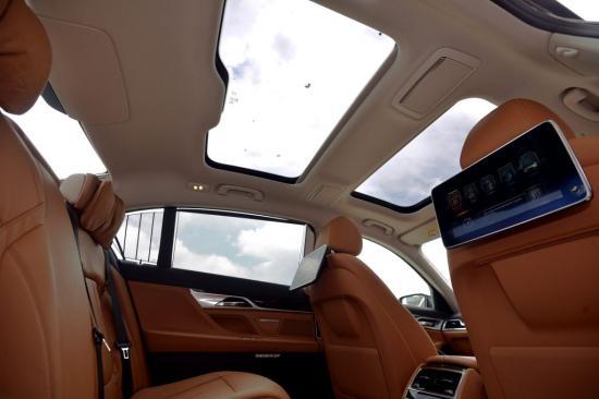 Hyundai Mobis phát triển túi khí cửa sổ trời1