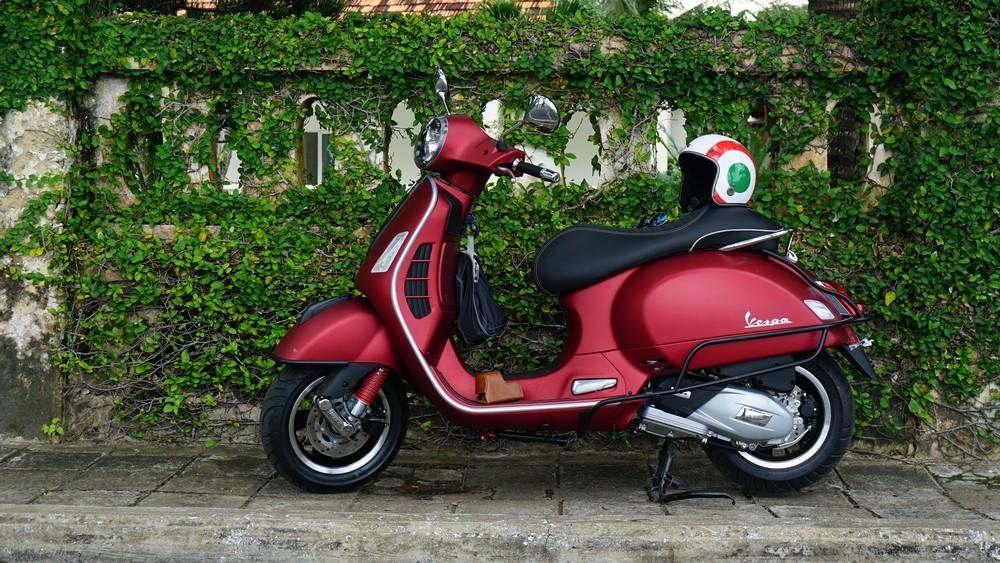 Xe Vespa GTS 300 6