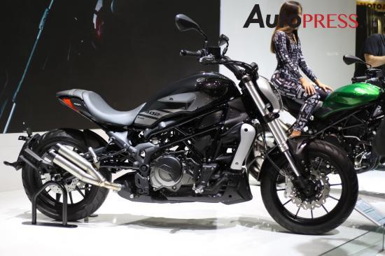 Benelli nhái xe Ducati 1