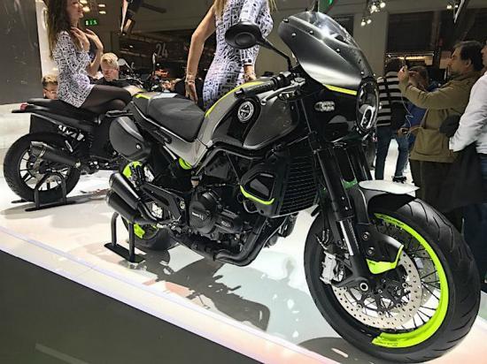 Benelli nhái xe Ducati 7
