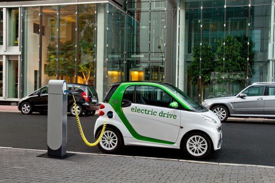 Nhu cầu xe điện tăng đột biến