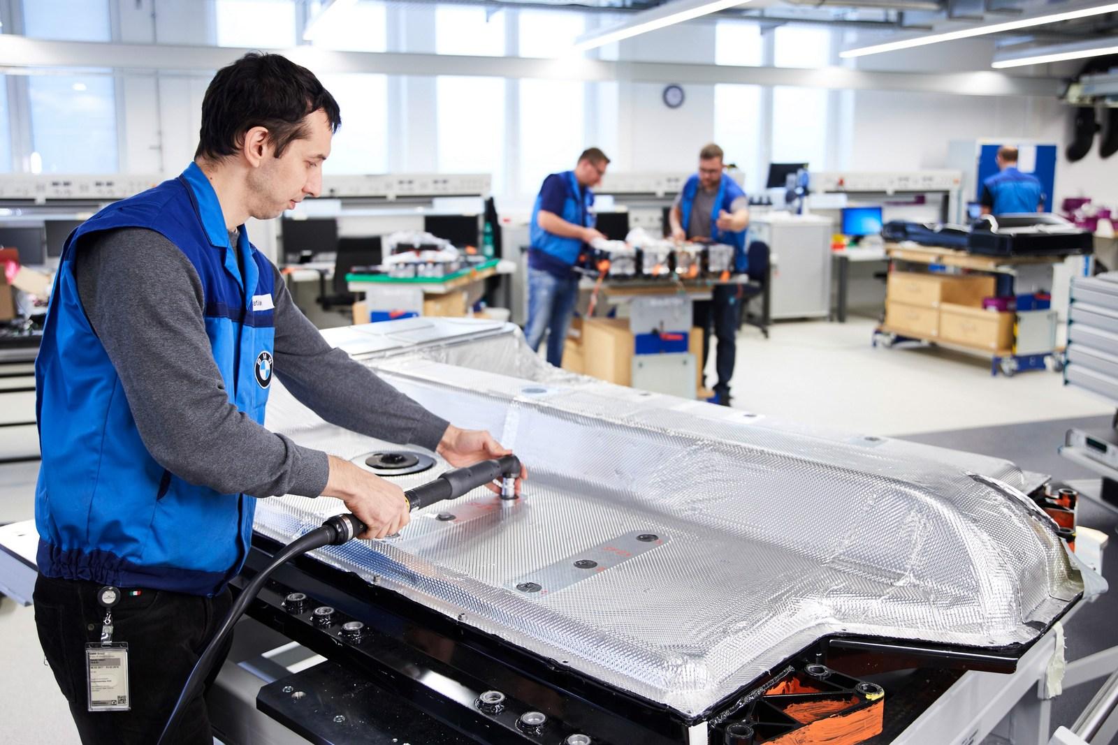 BMW phát triển xe điện phạm vi 700km 2