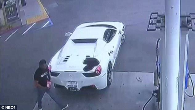 Trộm xe Ferrari 5