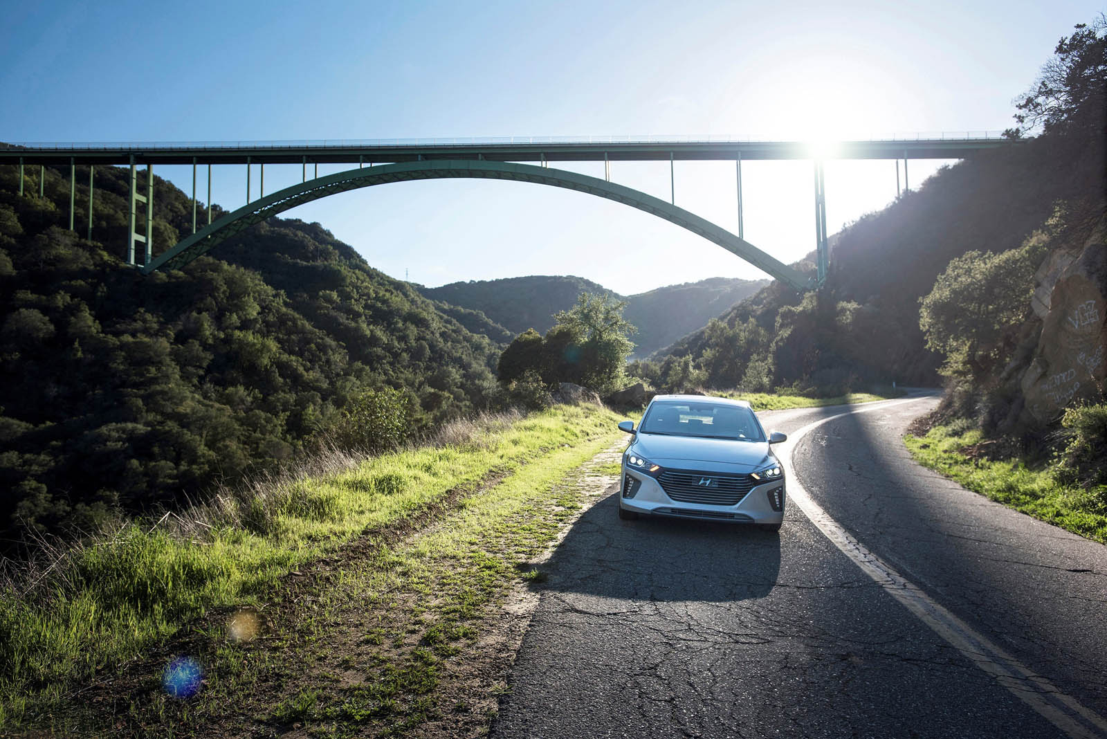 Hyundai Ioniq 2018 thêm bản Plug-in-Hybrid 2