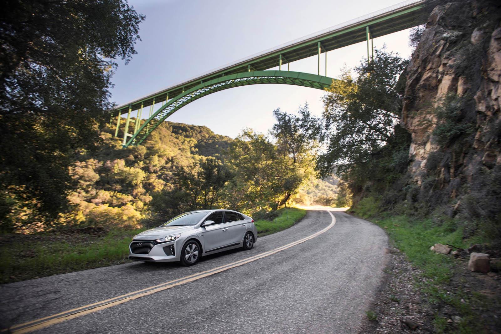Hyundai Ioniq 2018 thêm bản Plug-in-Hybrid 3