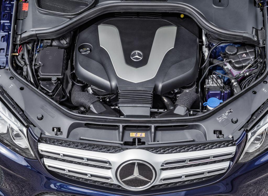 """Mercedes-Benz quyết định """"từ bỏ"""" động cơ diesel tại Mỹ"""
