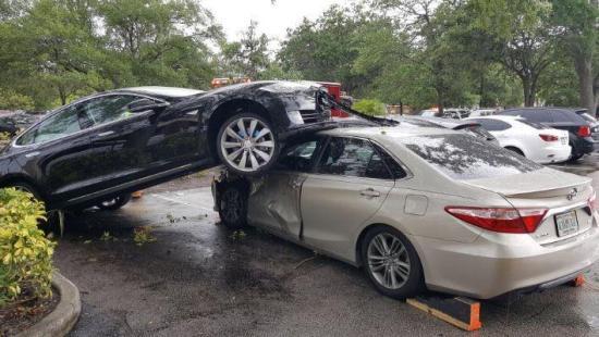 Tai nạn xe Tesla