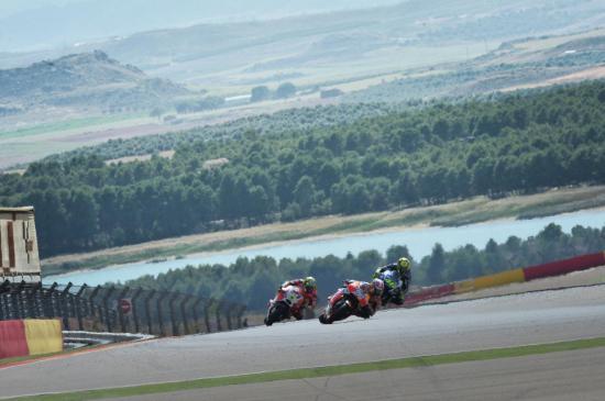 Marquez đo đường ngay từ vòng đua thứ 2 4