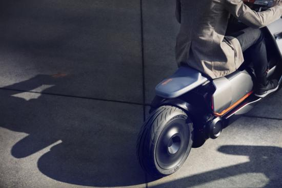 bmw-motorrad-tung-xe-ga-dien-concept-link-anh9
