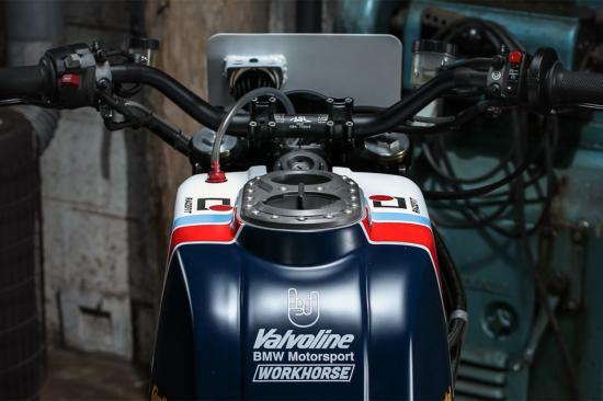 r-nine-t-do-xe-superbike-co-dien-anh3