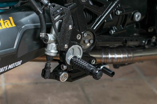r-nine-t-do-xe-superbike-co-dien-anh7