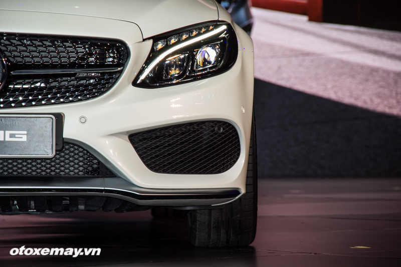 mercedes-benz-amg-c-43-4matic-coupe-trien-lam-mercedes-benz-fascination-2017-anh8