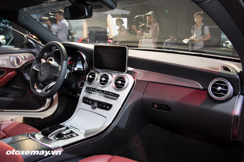 mercedes-benz-amg-c-43-4matic-coupe-trien-lam-mercedes-benz-fascination-2017-anh21