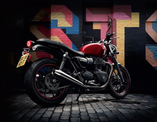 triumph-motorcycles-hop-tac-voi-bajaj-auto-an-do-anh2