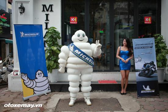 michelin-viet-nam-ra-mat-lop-power-rs-sang-tao-chuan-muc-moi-anh1