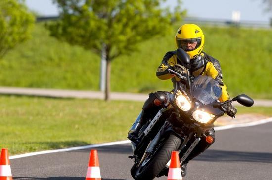 5-meo-giup-biker-moi-choi-an-toan-hon-trong-nhung-chuyen-di-xa-anh5