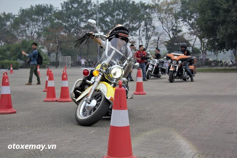 biker-harley-davidson-pho-dien-ki-nang-chay-xe-anh8