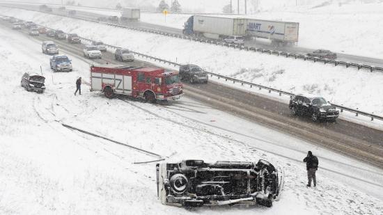 Phong tỏa hiện trường tai nạn giao thông như thế nào. Ảnh: The Drive