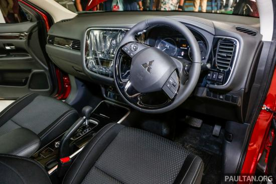 2017-Mitsubishi-Outlander-CKD-2.0-AWD-4