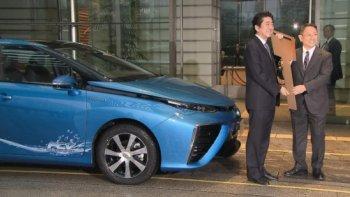 Chủ nhân chiếc Toyota Mirai đầu tiên là Thủ tướng Nhật Bản
