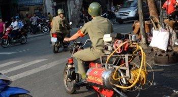 Siêu môtô cứu hỏa độc đáo tại Sài Gòn