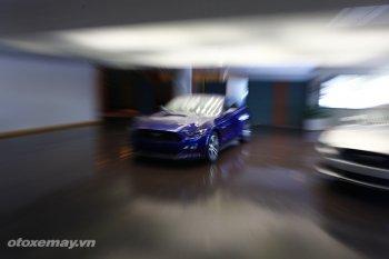 Cận cảnh lắp ráp Ford Mustang 2014