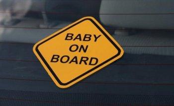 Những trang bị cần thiết trên ôtô khi có em bé