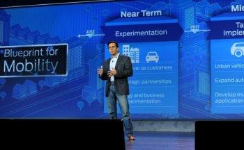 """CEO của Ford: Công nghệ có thể """"giết chết"""" các thương hiệu xe hơi"""