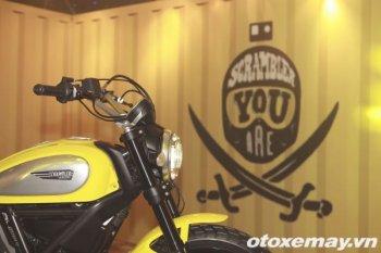 Ducati Scrambler náo động đêm Hà Nội