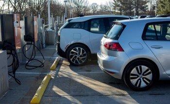 Xây dựng trạm sạc khuyến khích xe điện lợi hơn ưu đãi thuế