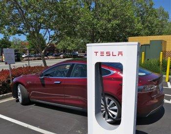 Tesla xây dựng trạm sạc điện miễn phí tại Trung Quốc