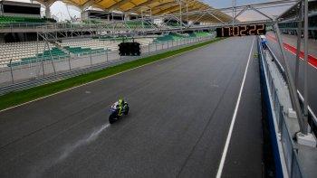 Valentino Rossi nhanh nhất tại Sepang