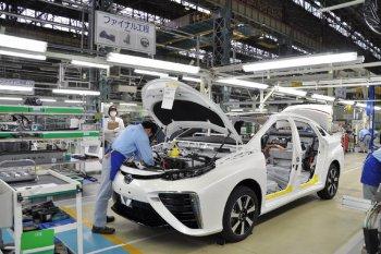 Tận mắt xem Toyota Mirai thành hình