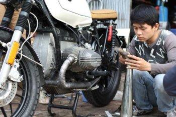 Chuyện kinh doanh trong độ xe: Cuộc chơi mạo hiểm ở Việt Nam?